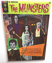 THE MUNSTERS MAGNET 2x3 INCHES TV SHOW HERMAN LILY GRANDPA COLOR COMIC BOOK  image 1