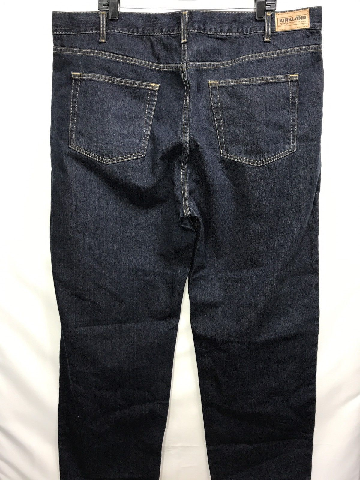 NWOT Men's Kirkland Signature Dark Wash Relaxed Fit Jeans, Size 42x30
