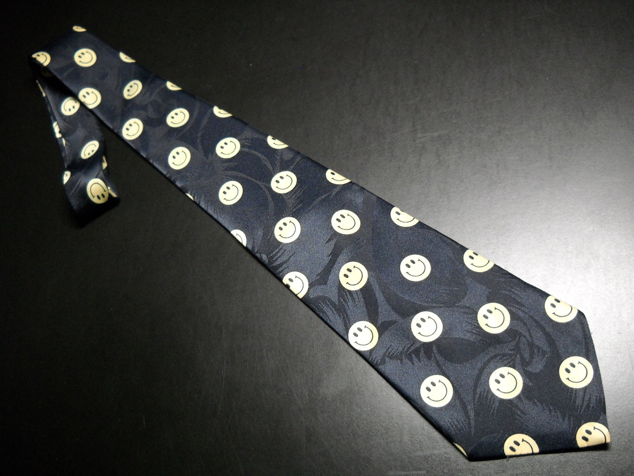 Tie brothers black with repeating yellow smiley faces 04