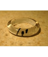 LADIES RING FASHION FUN WHITE WITH BLACK STRIPE SIZE 8 #381A - $5.99