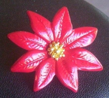 Vintage holiday pin no 2