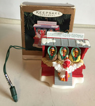 1996 Hallmark Keepsake Magic Christmas Tree Ornament Chicken Coop Chorus - $21.78