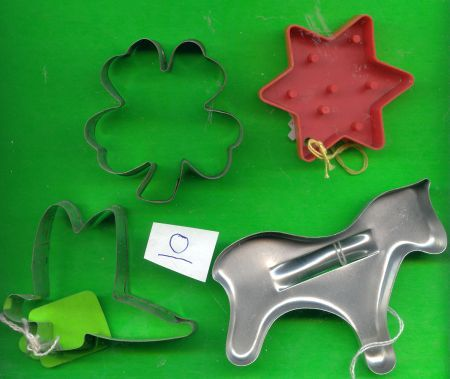 Lot of 4 Cookie Cutters .....Lot O