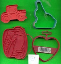 Lot of Plastic Cookie Cutters .....Lot D - $4.00