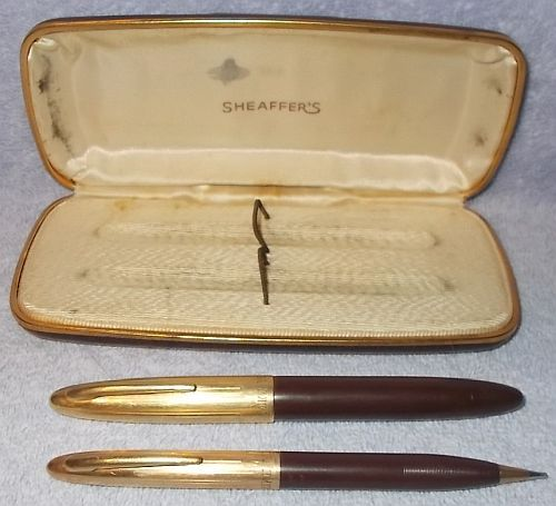 Vintage Sheaffer's Fountain Pen and Mechanical Pencil Boxed Matching Set