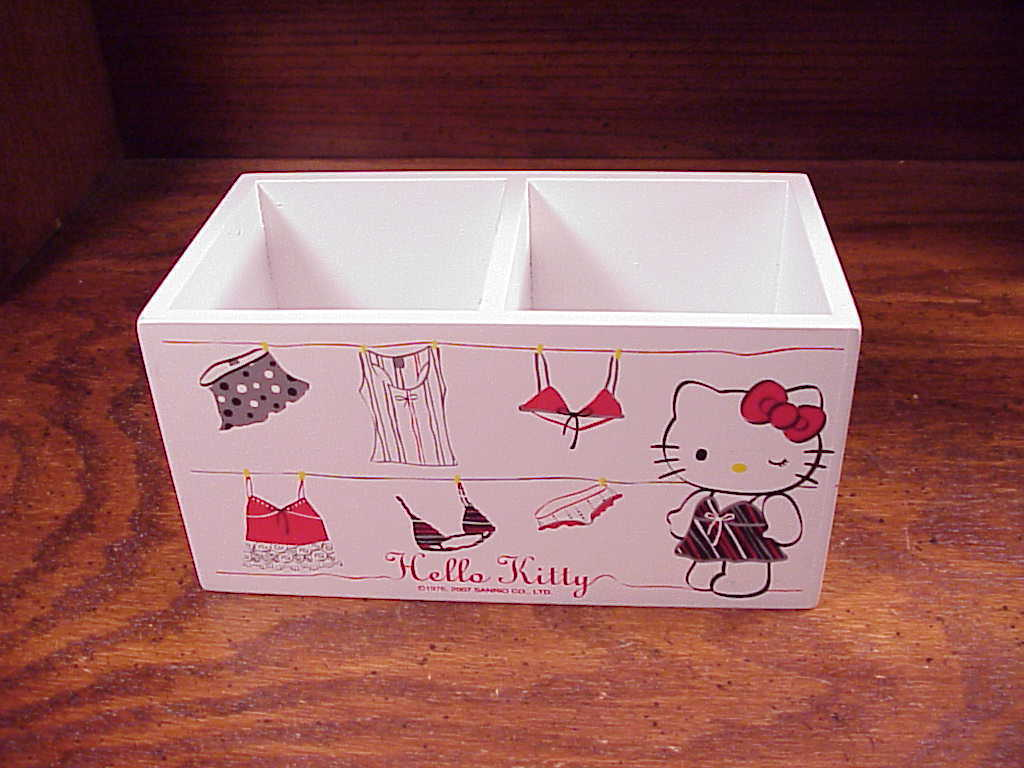 Hello Kitty Garments Two Section White Trinket Box
