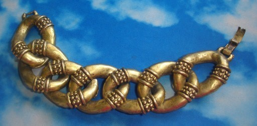 Goldern bracelet