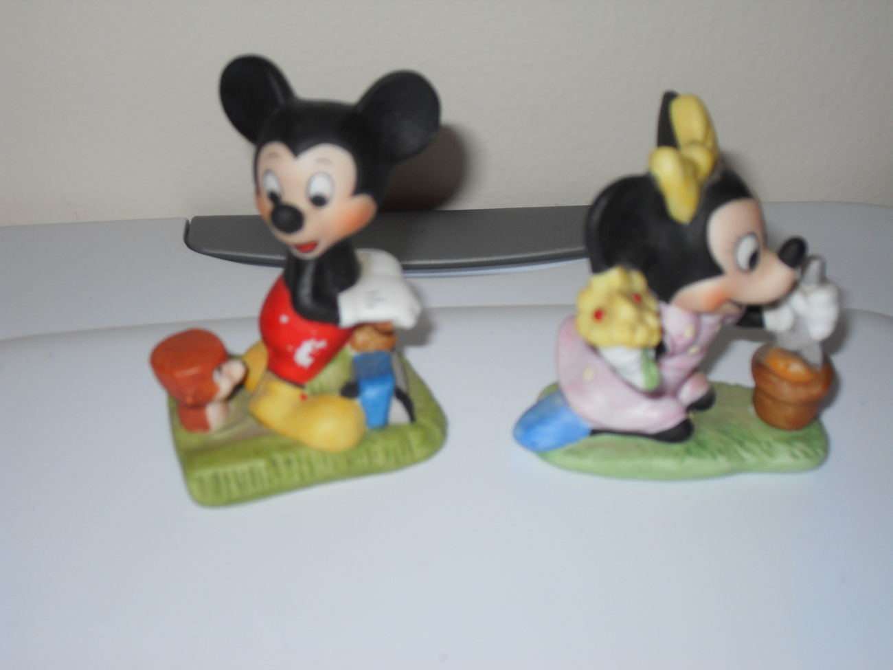 Disney Mickey and Minnie Mouse Figurines