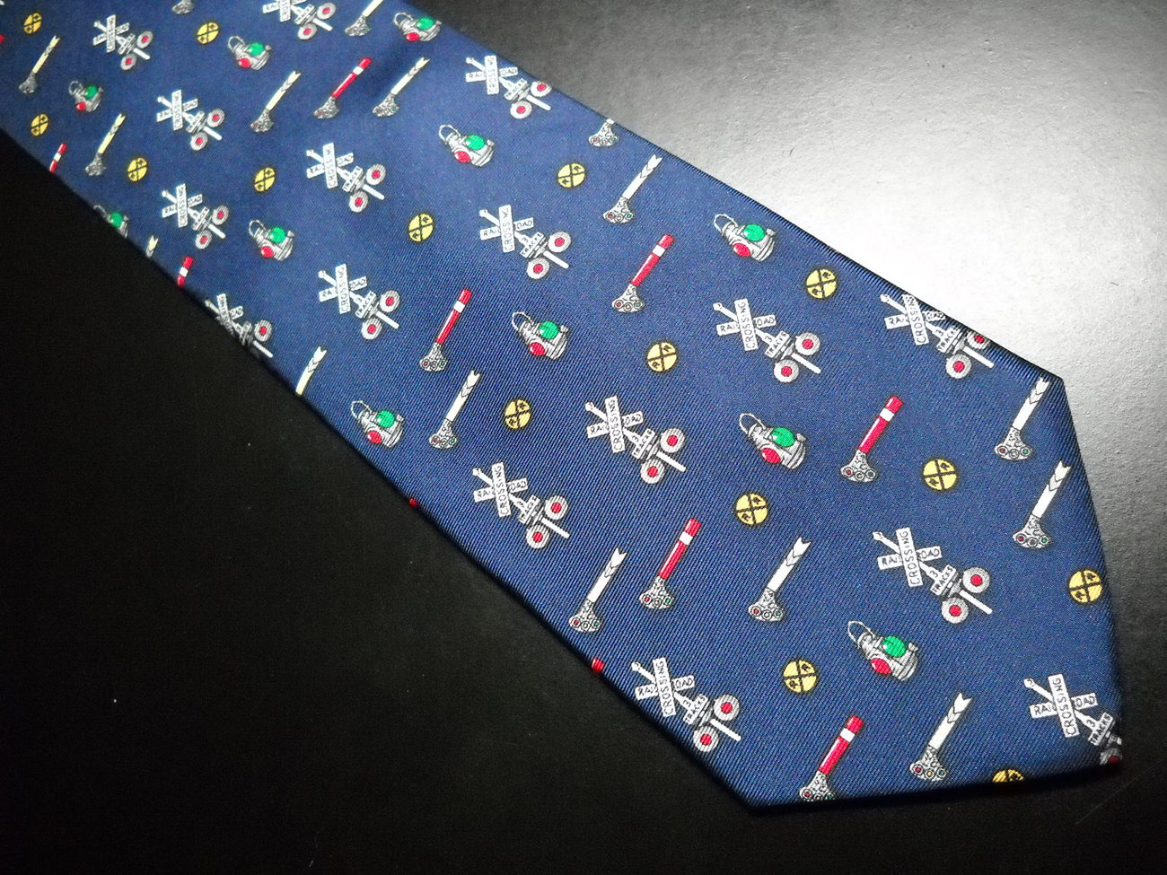 alynn neckwear neck tie blue with repeating multi