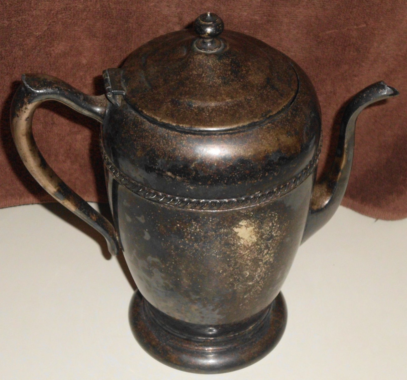 Silver_plated_tea_or_coffee_serving_pot__2_
