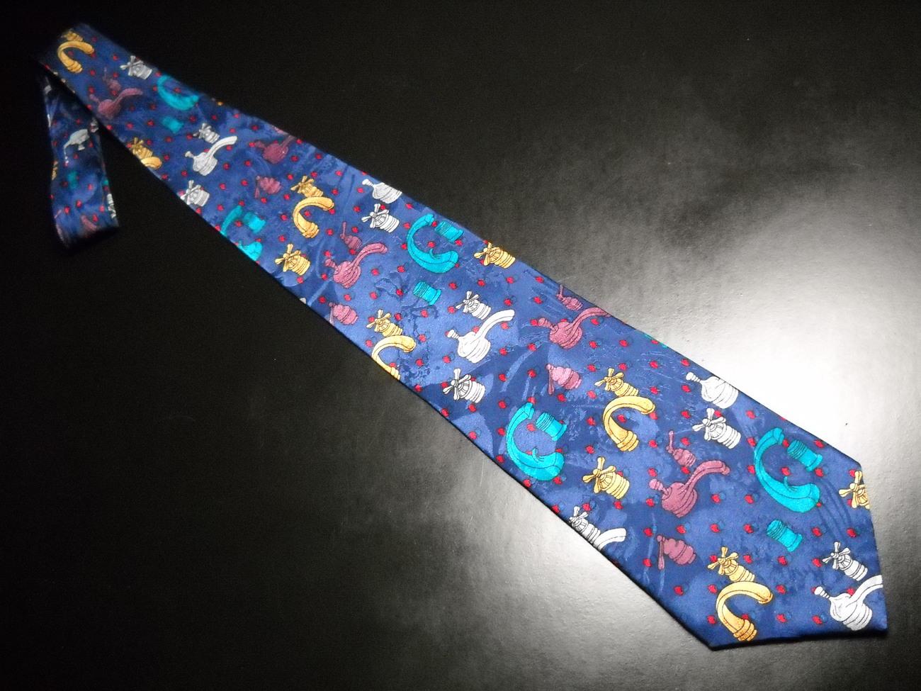 Tie oscardo faceuts on bright blue 04