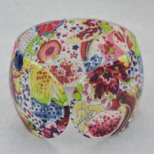 Bangle Bracelet Lucite Abstract Floral Pattern Design