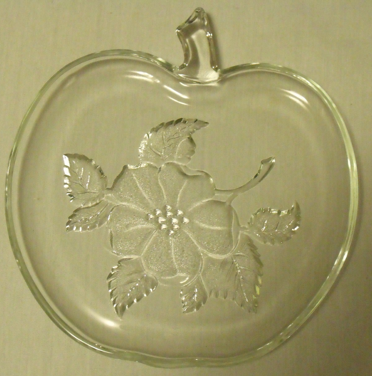 Glass apple serving dish top