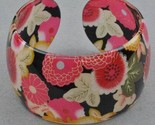 Bangle lucite floral on black thumb155 crop