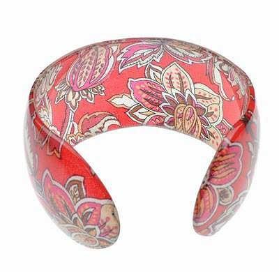 Bangle Bracelet Lucite Paisley Design Pattern