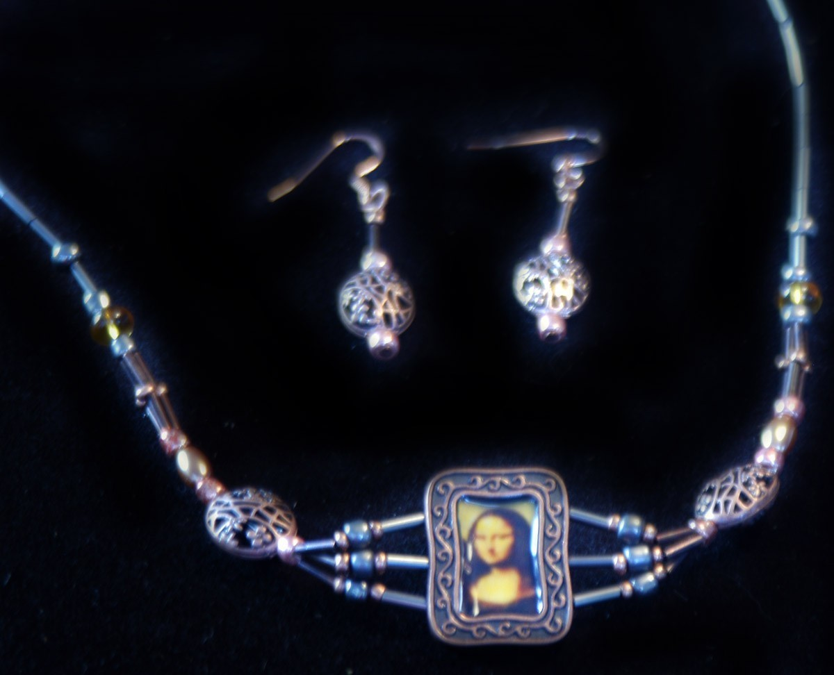 original art  pendant and earrings artist Mona Lisa copper