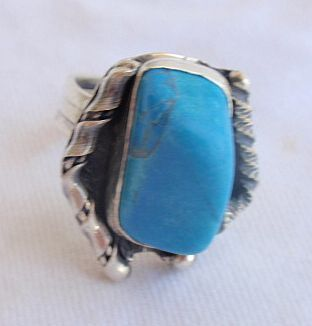 Turquoise hand made ring bud