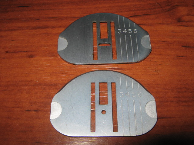 Singer Touch & Sew Straight Stitch & Zig-Zag Throat Plates Used Pair Working