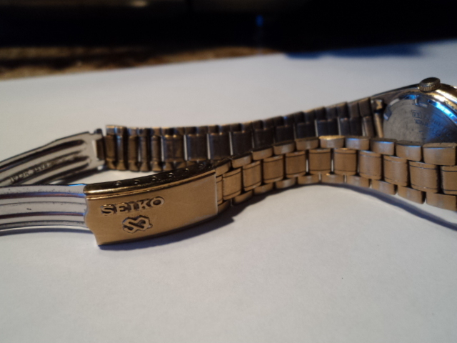 Mickey Mouse Disney Seiko Gold Toned Watch Day and Date