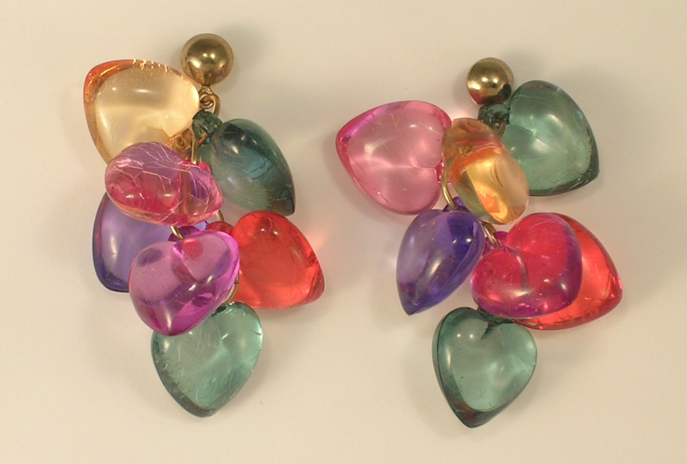 Clear Plastic Colored Heart Cluster Pierced Earrings with Studs