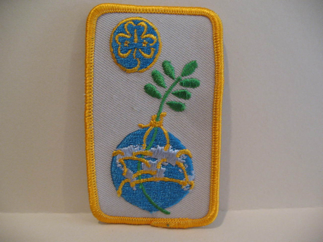 Girl Guides Patch World Earth Souvenir Badge Crest