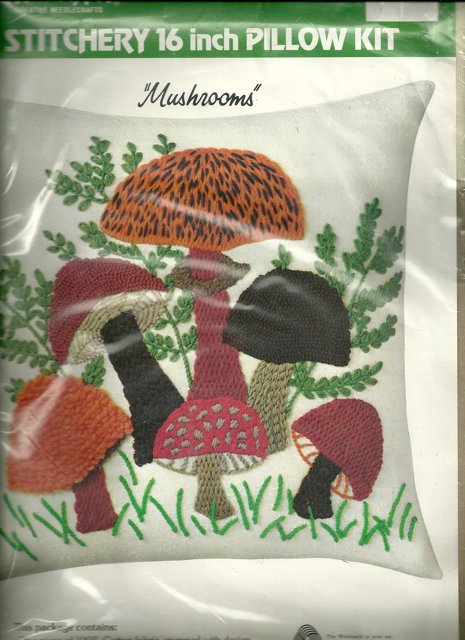 "WONDER ART STITCHERY 16"" PILLOW KIT "" MUSHROOMS"""