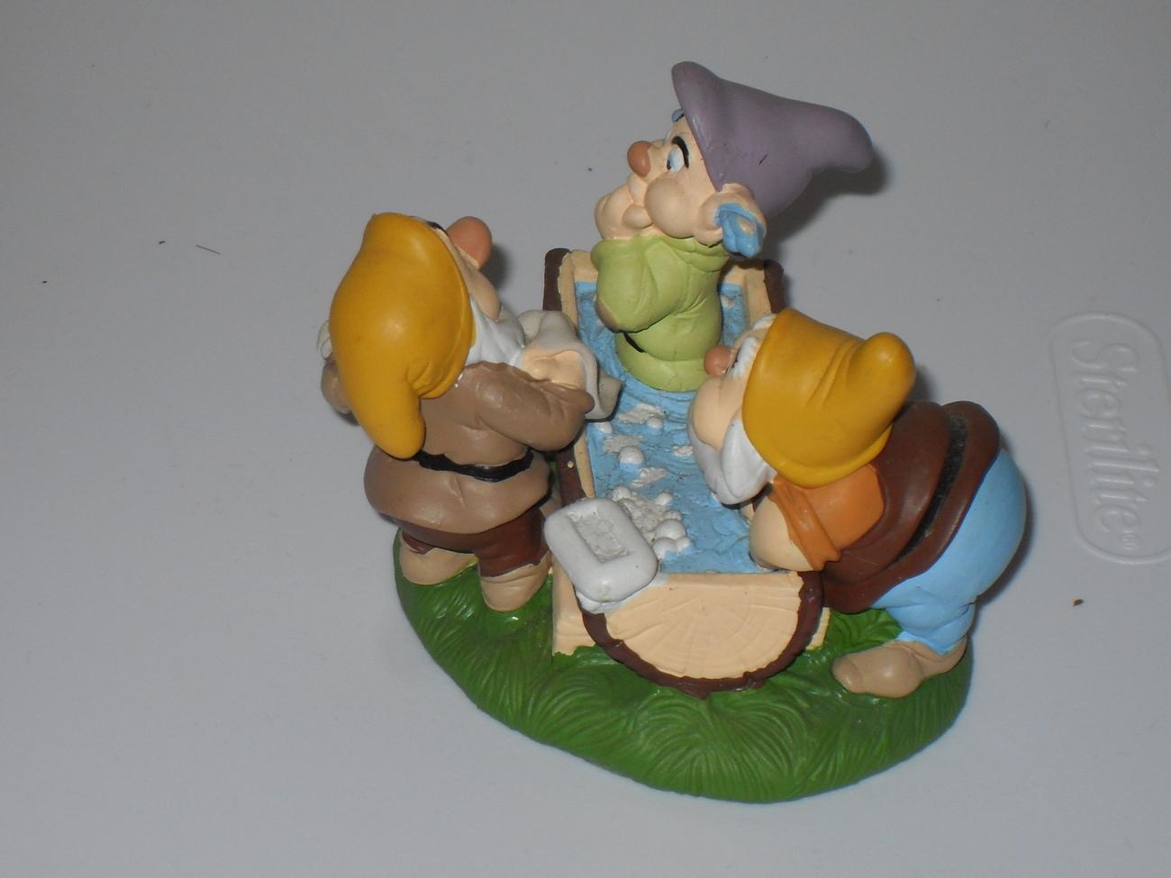 Disney Classics Snow White Dopey Getting Bath Figurine