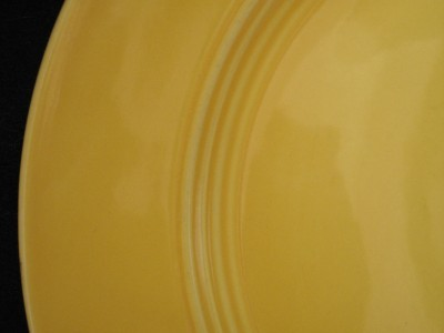 VINTAGE EARLY 1930'S HLC YELLOW RINGWARE DINNER PLATE