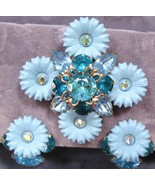 Vtg Rhinestone-Plastic Flower Brooch & Earrings Parure - $64.00