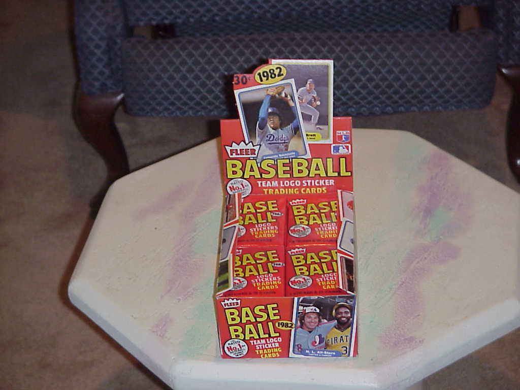 Cards  fleer bb 1982  t23 box