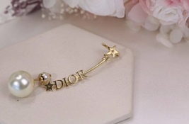 NEW Authentic Christian Dior 2019 CD CRYSTAL LOGO HEART DANGLE STAR Earrings image 12