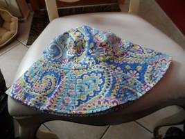 Vera Bradley sun hat in retired Capri Blue pattern  NWT - $25.00