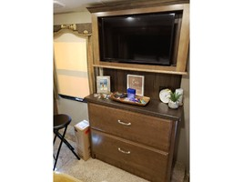 2018 KEYSTONE MONTANA 3791RL For Sale In Lake Monroe, FL 32747 image 3