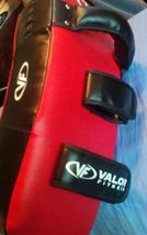 Valor Fitness  Punching Guard/Focus Mitt NEW image 4