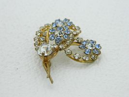 Vintage Gold Tone Blue Clear Rhinestone Heart Flower Pin Brooch image 3