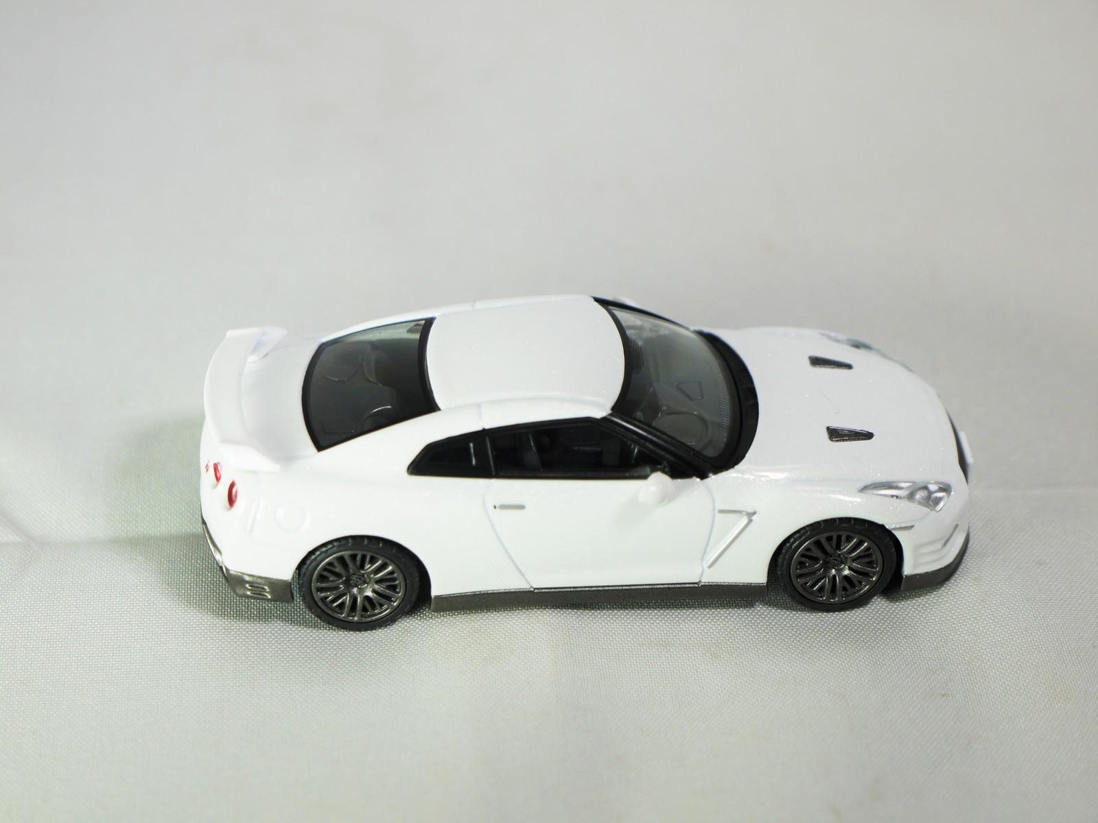 TAKARA TOMY TOMICA LIMITED TOMYTEC NISSAN GT-R Premium Edition LV-N116b White