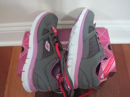 BNIB Skechers Flex Appeal - Spring Fever Womens' Athletic Shoes, ships w/o box image 3