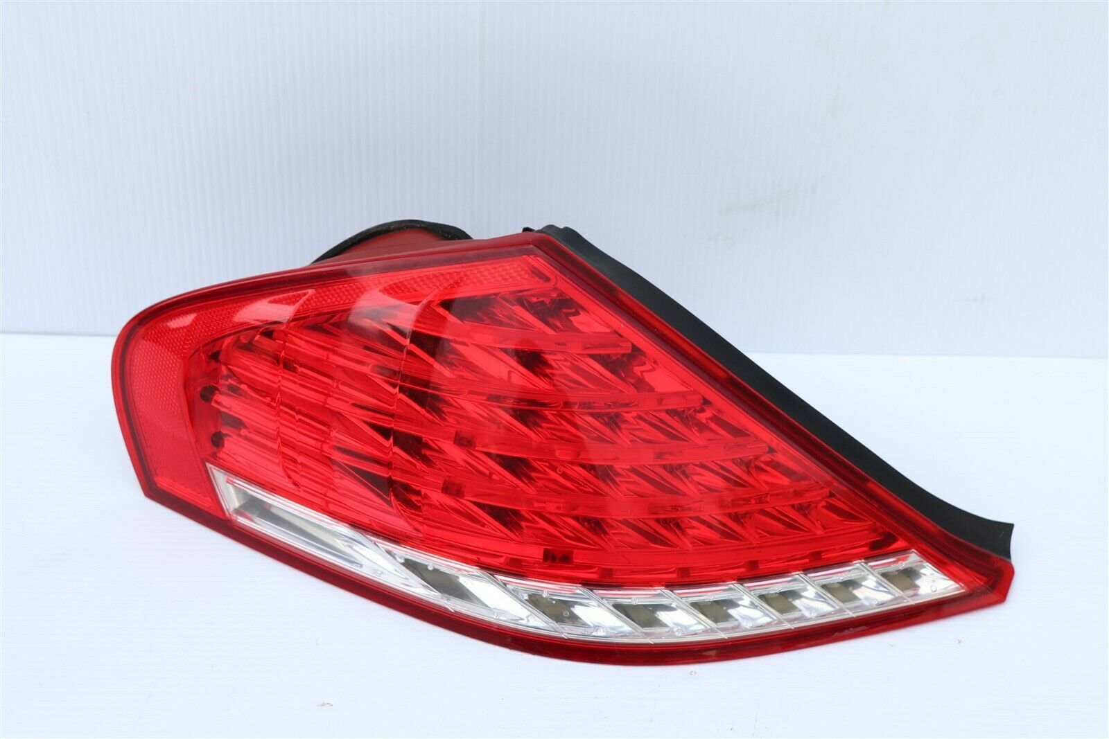 08-10 BMW E64 M6 650i LCI Outer LED Taillight Combo Lamp Driver Left LH