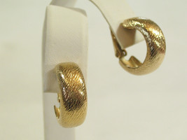 Vintage SARAH Coventry Brushed Gold Plated HOOP Clip on Earrings Going Easy - $14.80