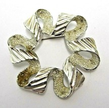 SILVER TONED SARAH COVENTRY VINTAGE RETRO BROOCH PIN RIBBON WREATH PARTY... - $9.49