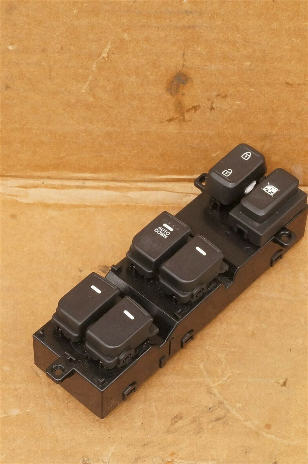 14-15 Kia Optima Driver Door Power Window Master Switch