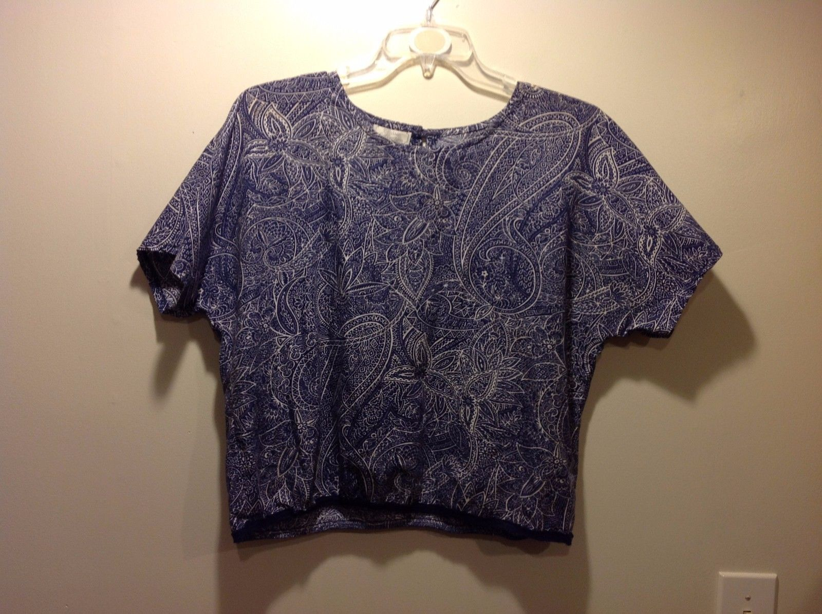 Classic Collection Short Sleeve Navy Blue White Blouse w Floral Design