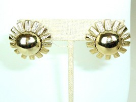 Vintage Coro Gold Tone Flower Floral Mod metal clip earrings - $7.87