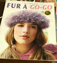 Leisure Arts Fur A Go-Go 7 Knit Designs Pattern Booklet Hat Bags Scarves... - $13.20