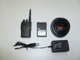 Motorola EX500 16 Ch 136-174 MHz VHF Two Way Radio w Charger AAH38KDC9AA3AN - $98.99