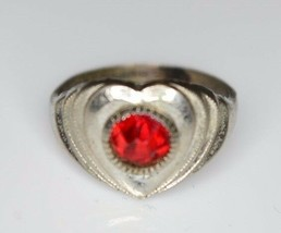VTG .925 Sterling Silver Red Rhinestone Heart Ring Size 3 M Arrow Signed - $29.70