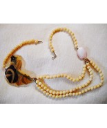 UNIQUE VTG 3-SRAND BEADED NECKLACE W/ABSTRACT FREE-FORM LUCITE PENDANT - $22.49