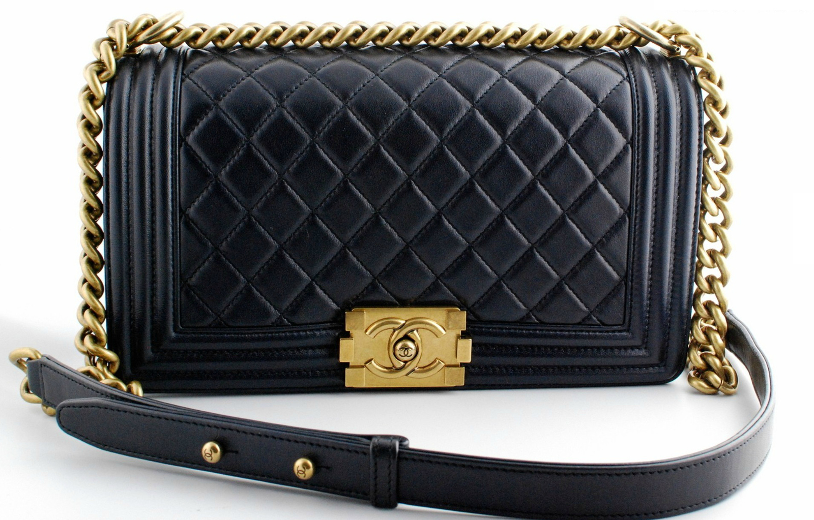 AUTHENTIC CHANEL PEARLY BLACK QUILTED LAMBSKIN MEDIUM BOY FLAP BAG GHW
