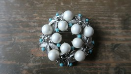 Vintage Large Sarah Coventry Silver Faux Pearl and Turquoise Brooch 5cm - $23.76