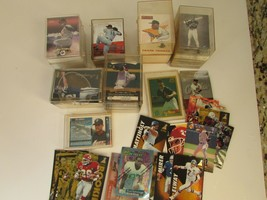 VTG RANDOM ASST OF BASEBALL & FOOTBALL COLLECTIBLE TRADING CARDS OLDIES  S1 - $17.59